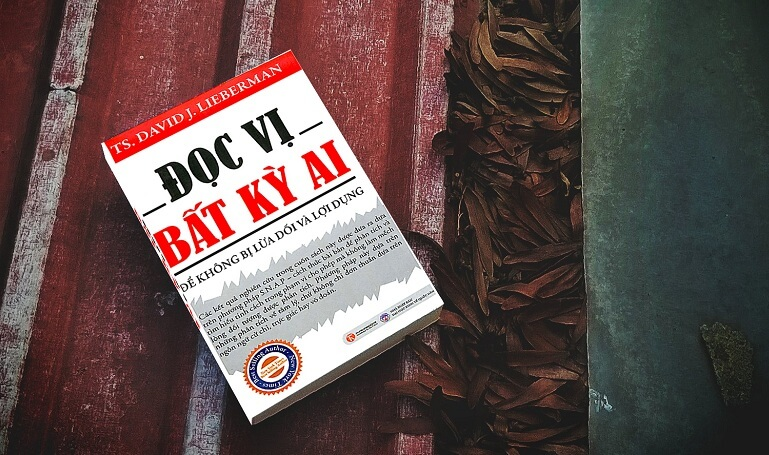 download-sach-ebook-doc-vi-bat-ky-ai-de-khong-bi-lua-doi-va-loi-dung-pdf-mien-phi